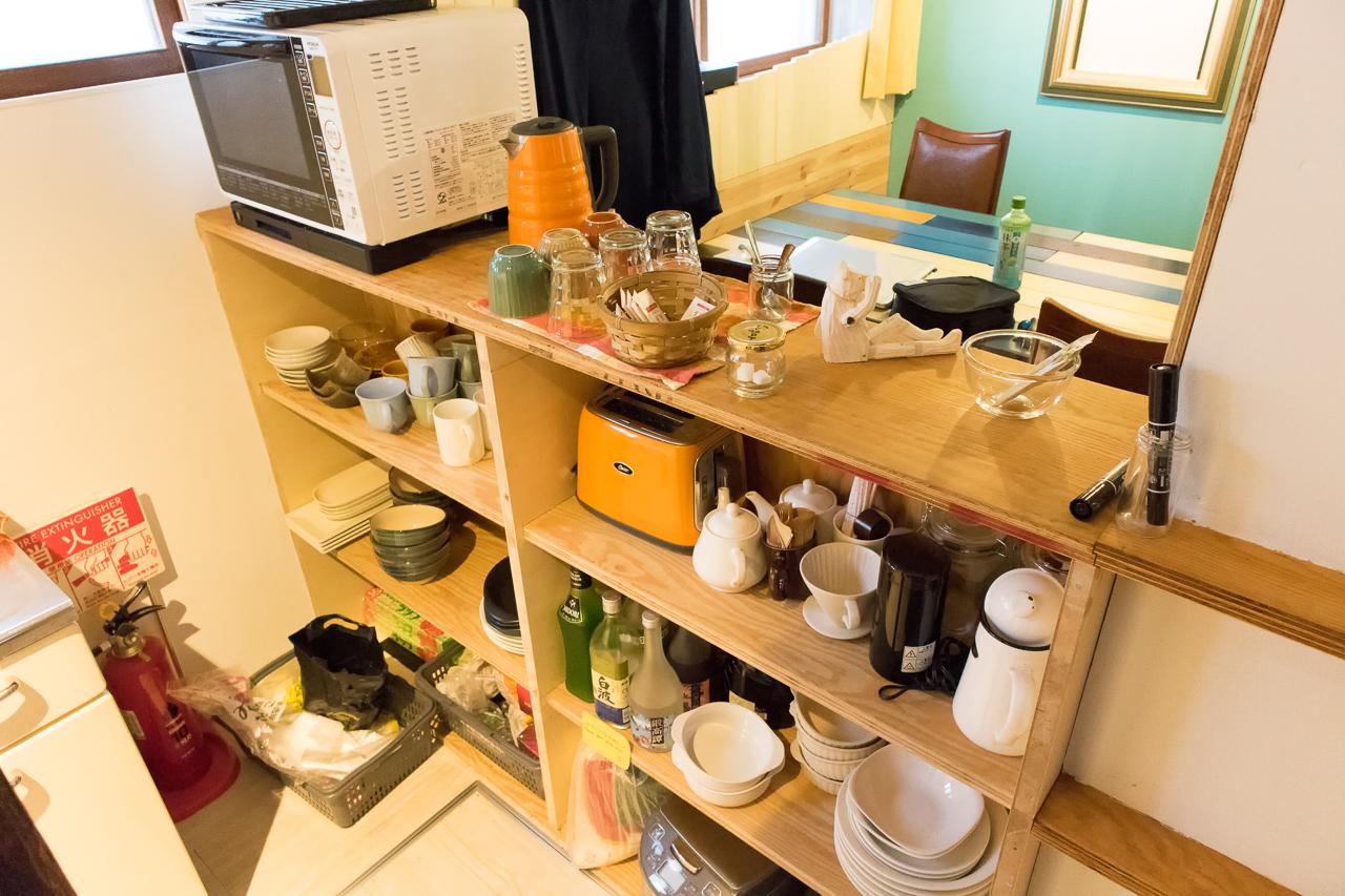 イグルー・共有キッチンの食器類