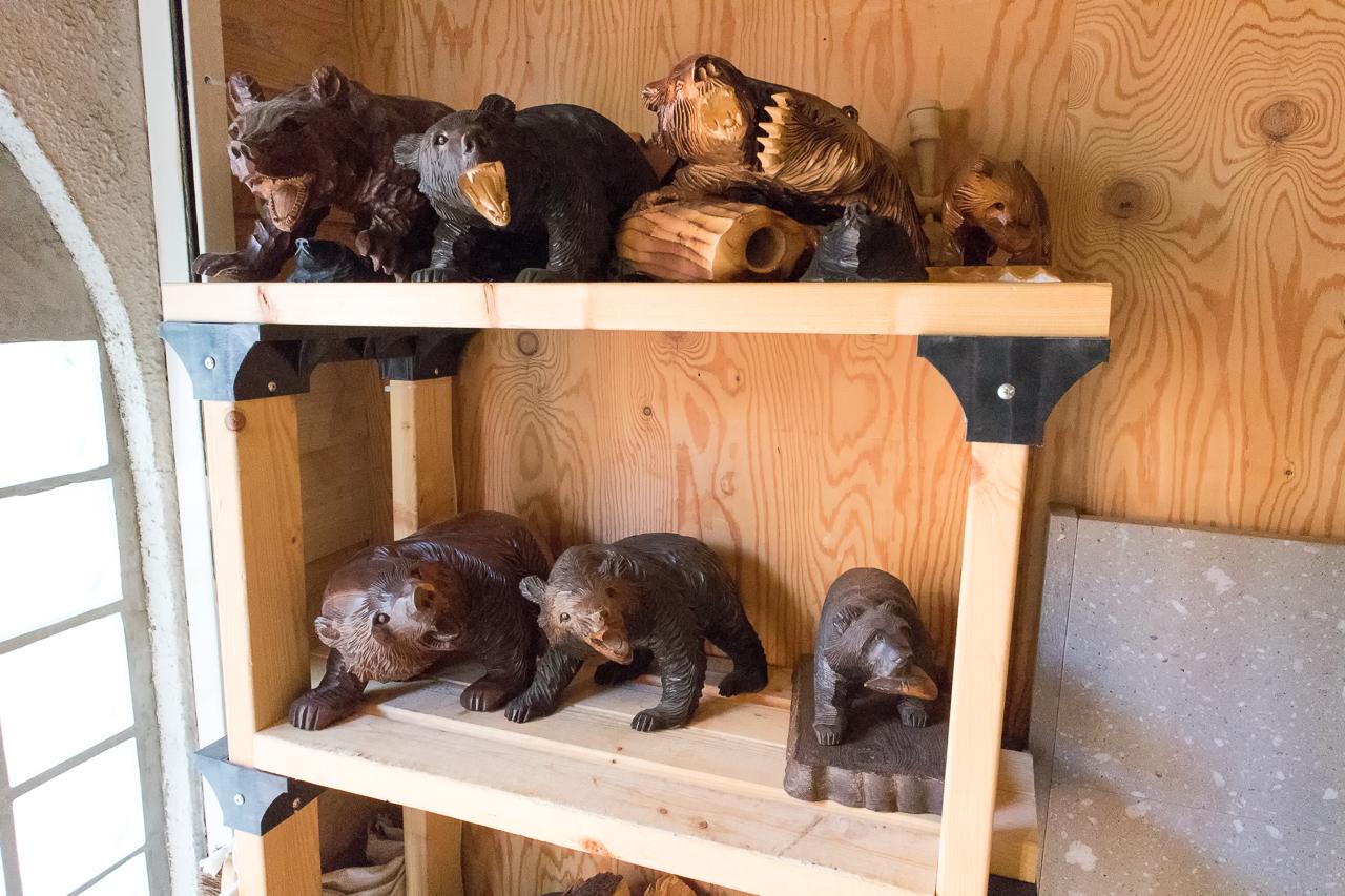 サッポロッジ・熊の彫り物