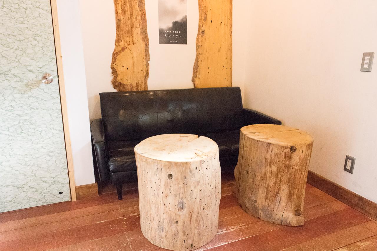サッポロッジ・2階木のテーブル