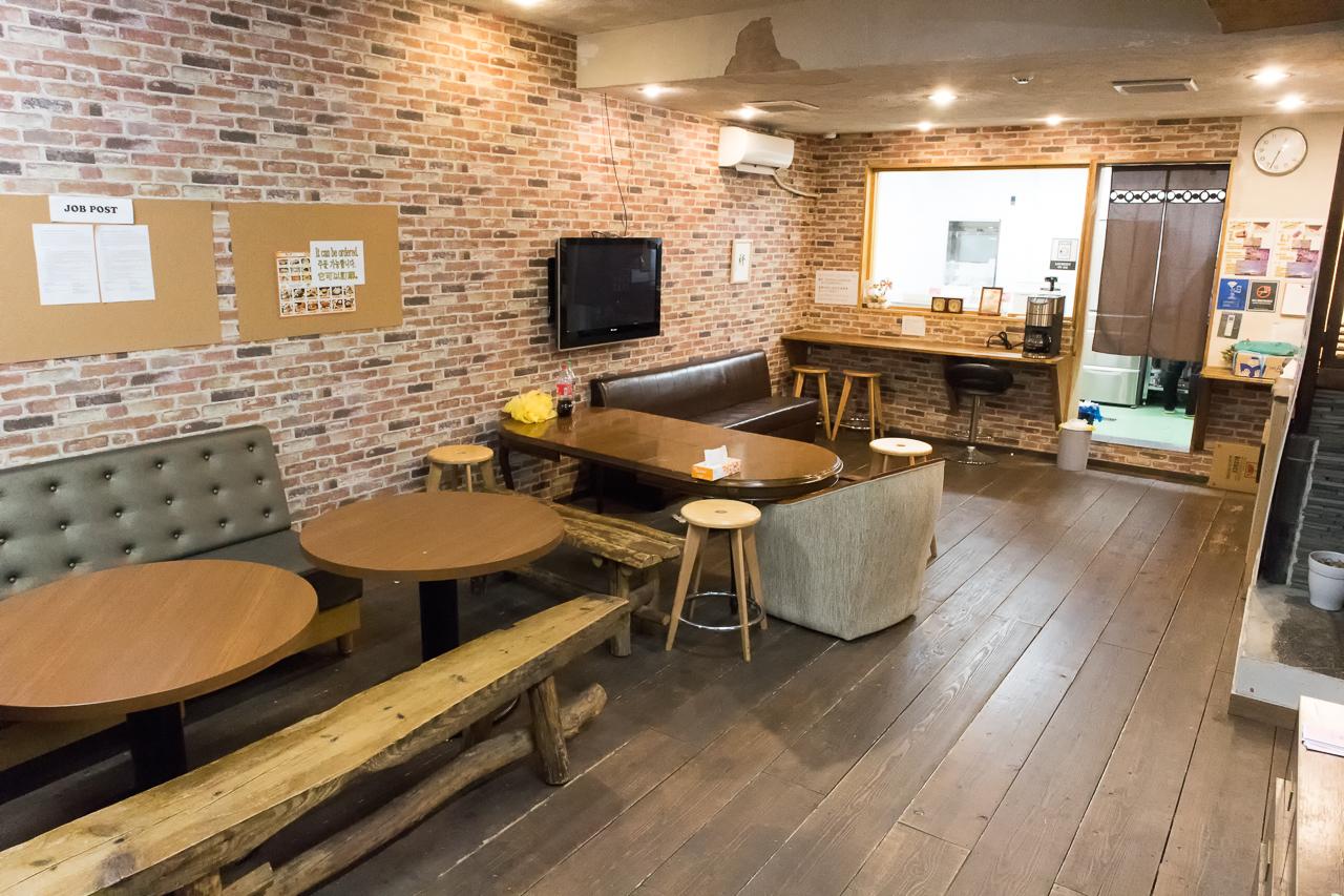 Tokyo-House-Inn・1階共有スペース