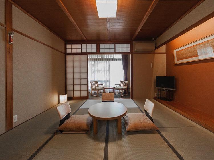 温泉ゲストハウス翠鳩の巣の和室②