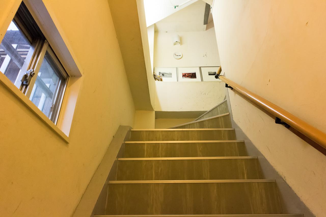 やどやゲストハウス グリーンの階段