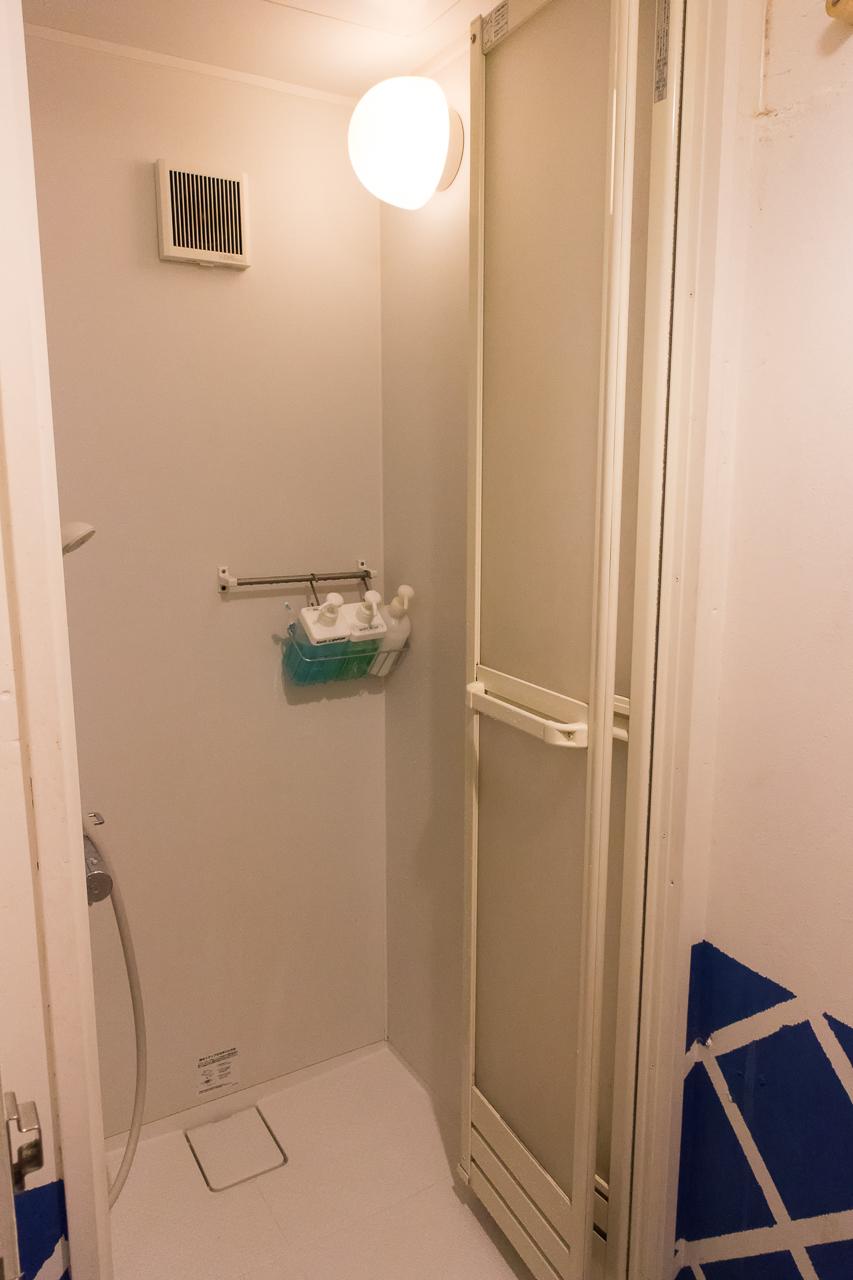 やどやゲストハウス オレンジのシャワールーム
