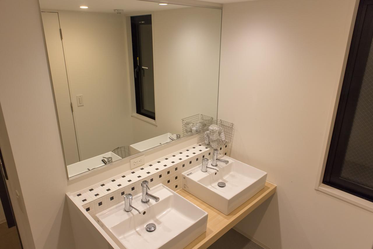 IMANO TOKYO GINZA HOSTELの洗面所