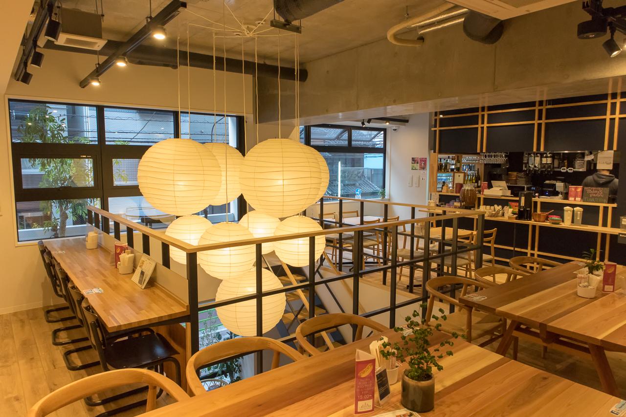 IMANO TOKYO GINZA HOSTEL2階カフェバーラウンジ