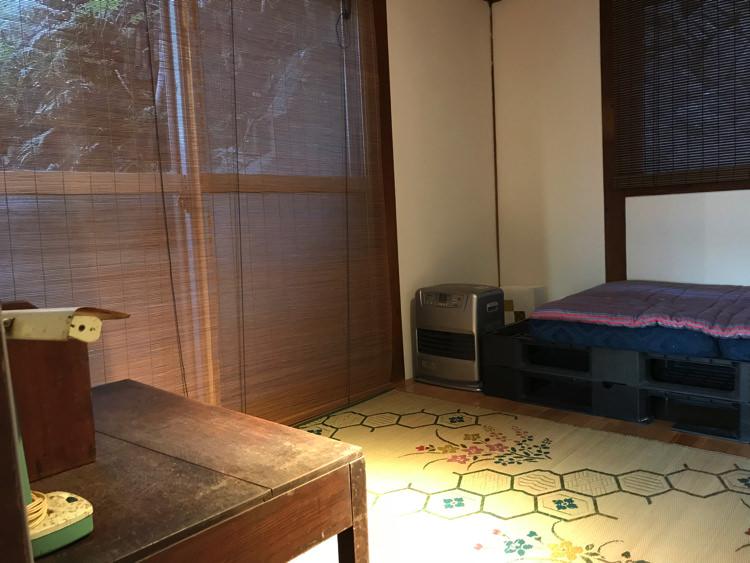 唐津ゲストハウス鳩麦荘の共有スペース