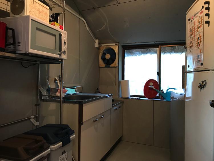 唐津ゲストハウス鳩麦荘の台所