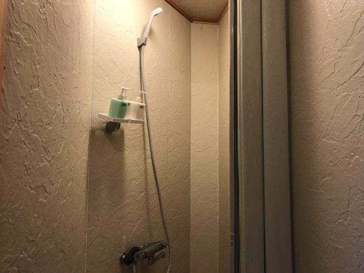 唐津ゲストハウス鳩麦荘のシャワールーム