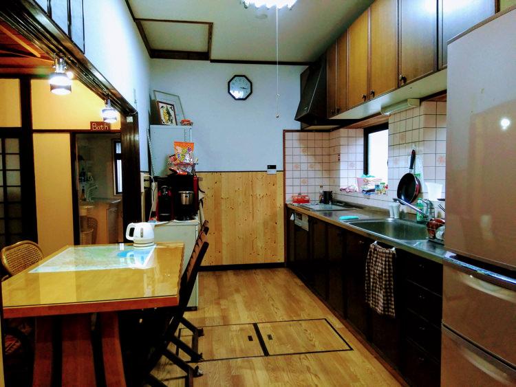 富山ゲストハウス京町のキッチン