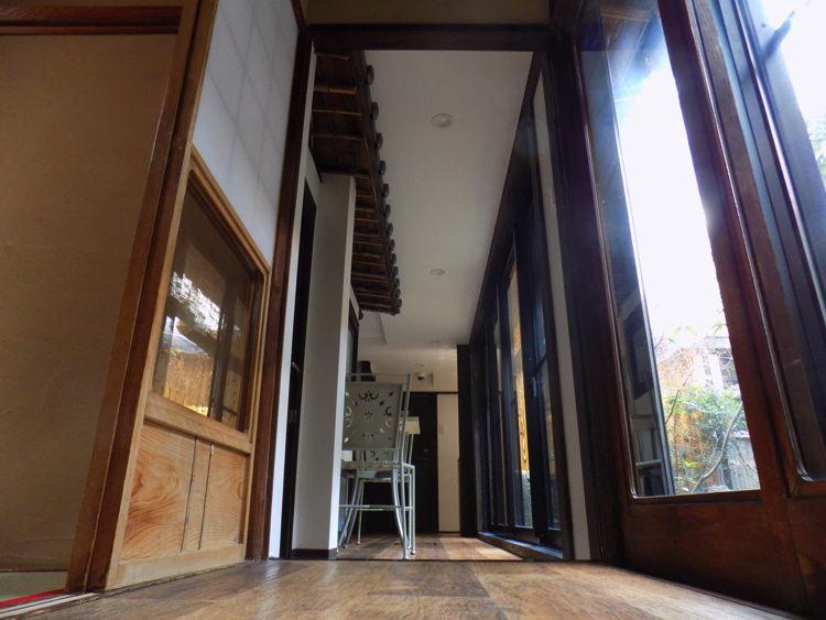 ホステル わさび京都町家そば 共有ルームの廊下