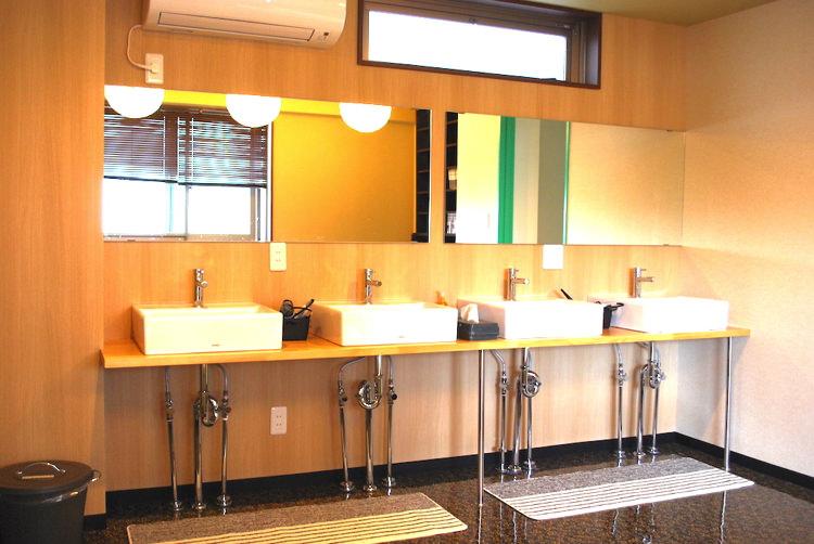 ゲストハウス松の洗面所