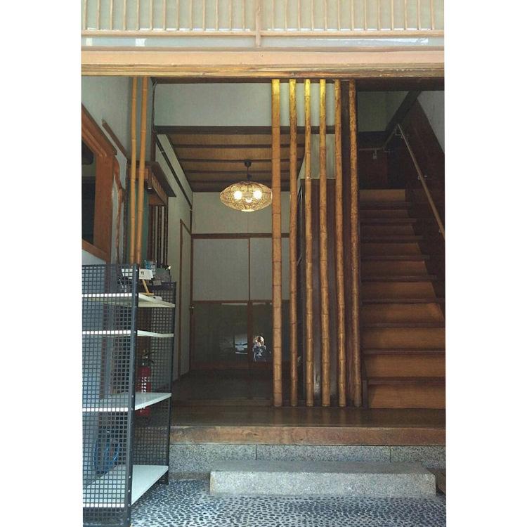 ゲストハウス アンゴ荘の玄関